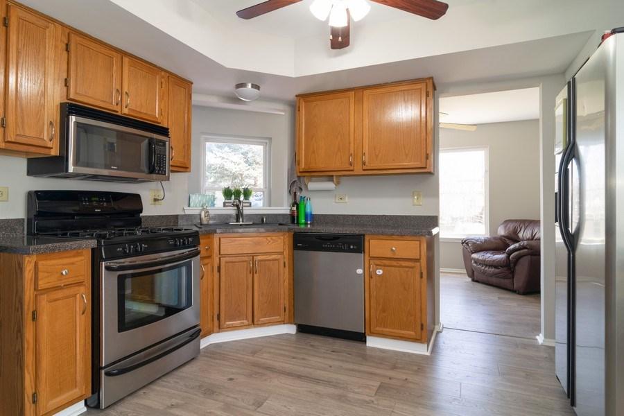 Real Estate Photography - 485 Harvard Lane, Bartlett, IL, 60103 - Kitchen