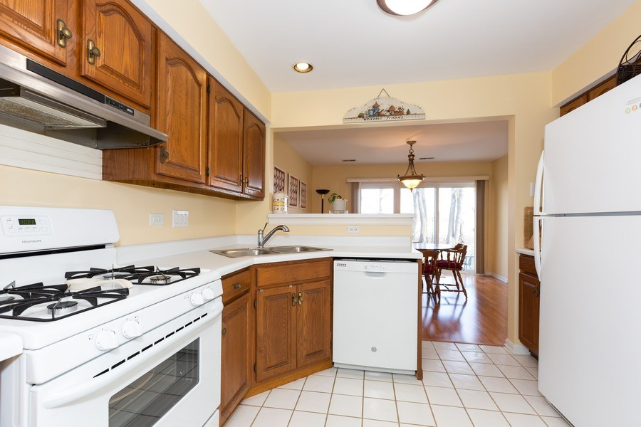 Real Estate Photography - 1514 W. Orchard Place, Arlington Heights, IL, 60005 - Kitchen