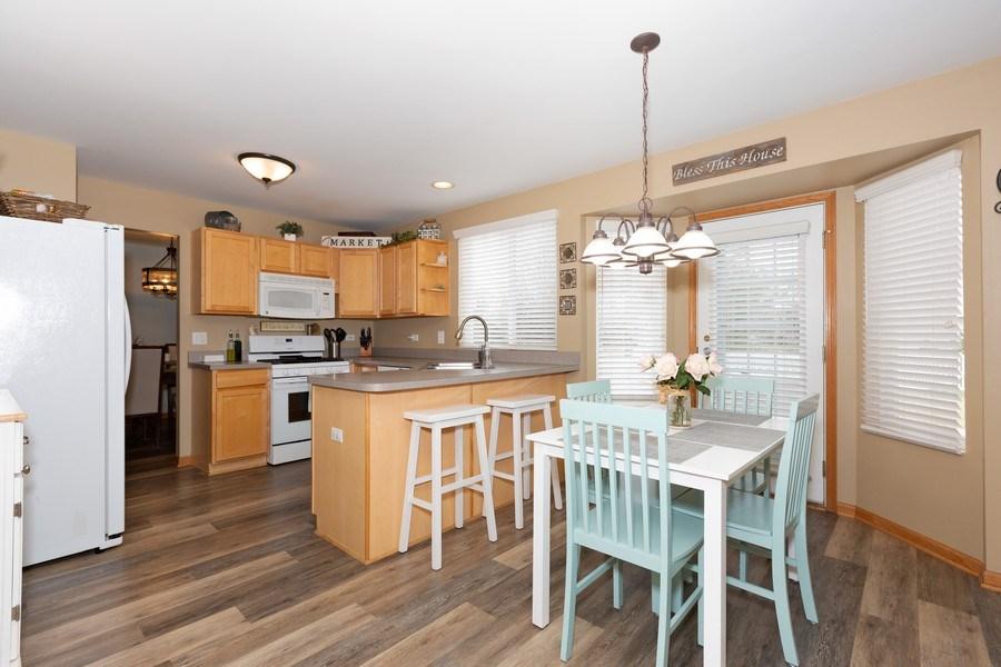 Real Estate Photography - 3811 Landings Road, Joliet, IL, 60431 - Kitchen