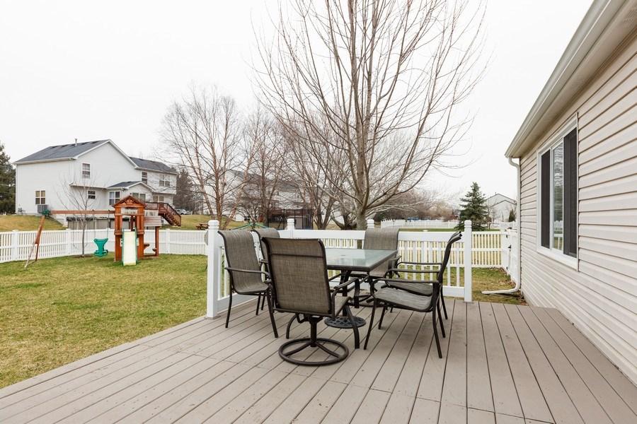 Real Estate Photography - 3811 Landings Road, Joliet, IL, 60431 - Deck