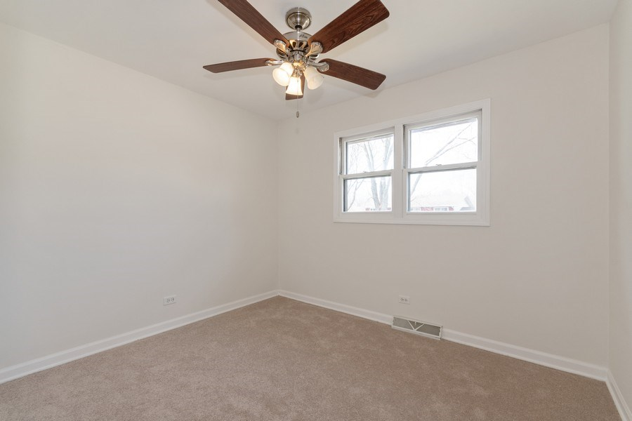 Real Estate Photography - 481 CHARLES Court, South Elgin, IL, 60177 - 2nd Bedroom