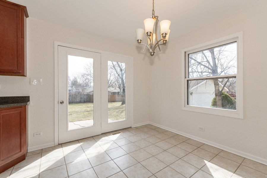 Real Estate Photography - 481 CHARLES Court, South Elgin, IL, 60177 -