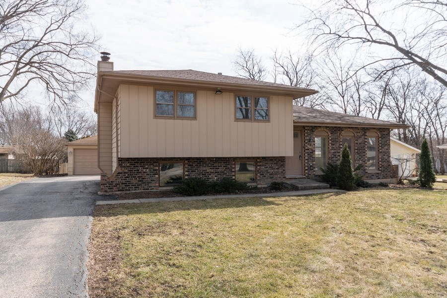 Real Estate Photography - 481 CHARLES Court, South Elgin, IL, 60177 - Front View