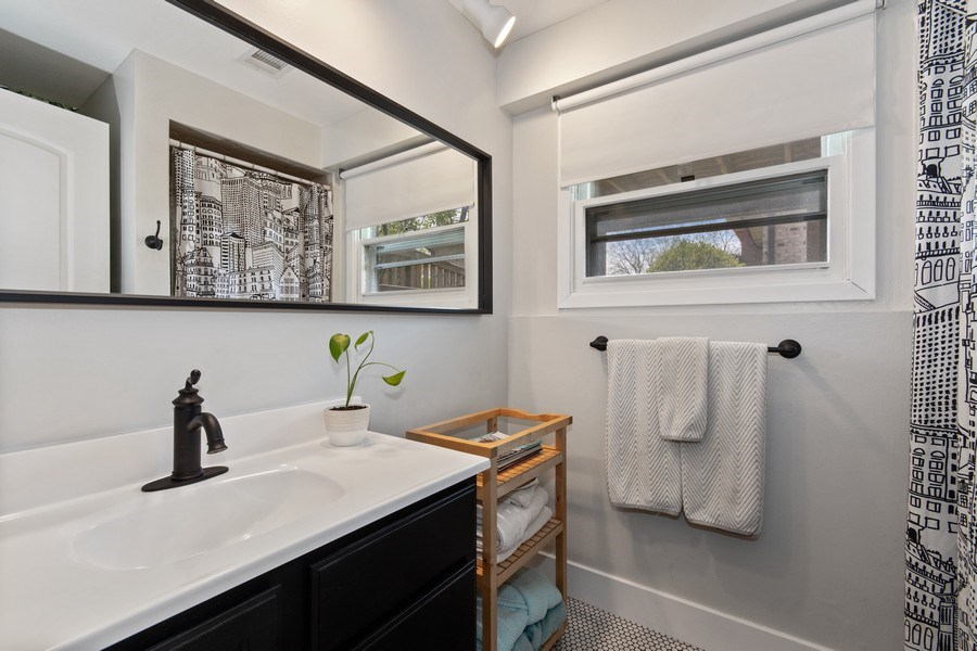 Real Estate Photography - 403 Oriole Street, Bloomingdale, IL, 60108 - 3rd Bathroom