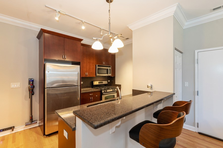 Real Estate Photography - 756 W. 14th Street, Unit 102, Chicago, IL, 60607 - Kitchen