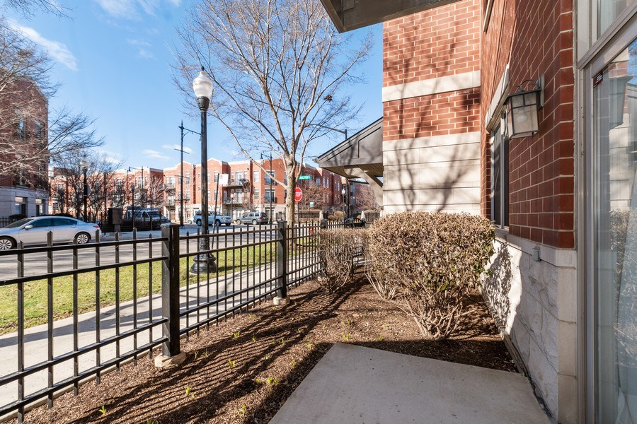 Real Estate Photography - 756 W. 14th Street, Unit 102, Chicago, IL, 60607 - Patio