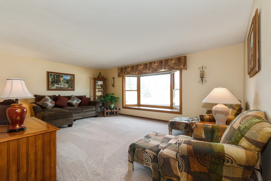 Real Estate Photography - 1225 Lynnfield Lane, Bartlett, IL, 60103 - Living Room