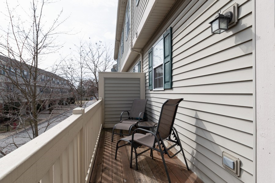 Real Estate Photography - 205 N. louis Street, Unit C, Mount Prospect, IL, 60056 - Deck