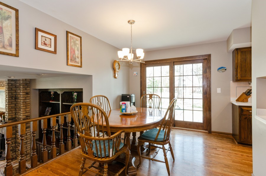 Real Estate Photography - 18N509 SLEEPY HOLLOW Lane, Dundee, IL, 60118 - Kitchen