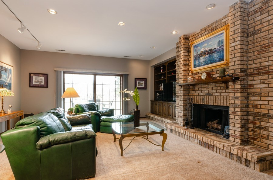 Real Estate Photography - 18N509 SLEEPY HOLLOW Lane, Dundee, IL, 60118 - Family Room