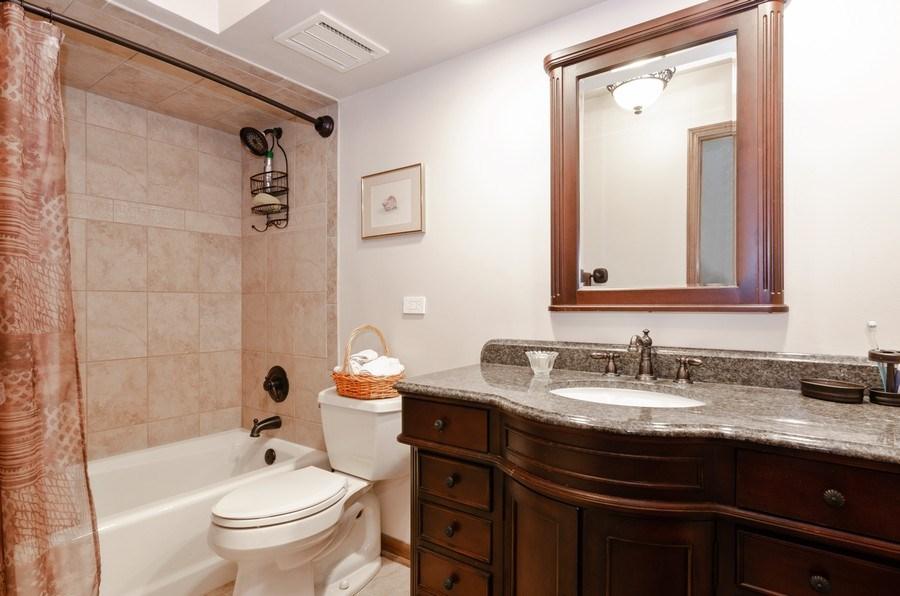 Real Estate Photography - 18N509 SLEEPY HOLLOW Lane, Dundee, IL, 60118 - 2nd Bathroom