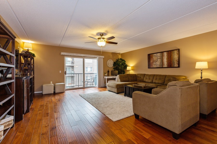 Real Estate Photography - 1330 Perry Street, Unit 406, Des Plaines, IL, 60016 - Living Room