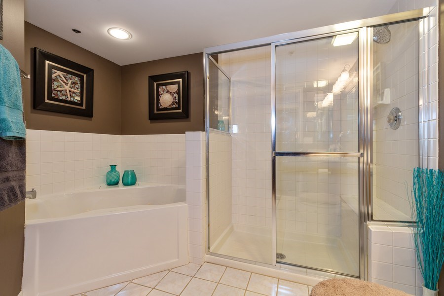 Real Estate Photography - 1330 Perry Street, Unit 406, Des Plaines, IL, 60016 - Master Bathroom