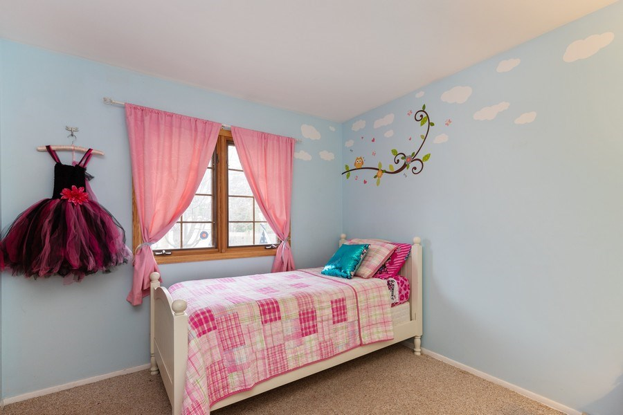 Real Estate Photography - 705 S. Dymond Road, Libertyville, IL, 60048 - Bedroom