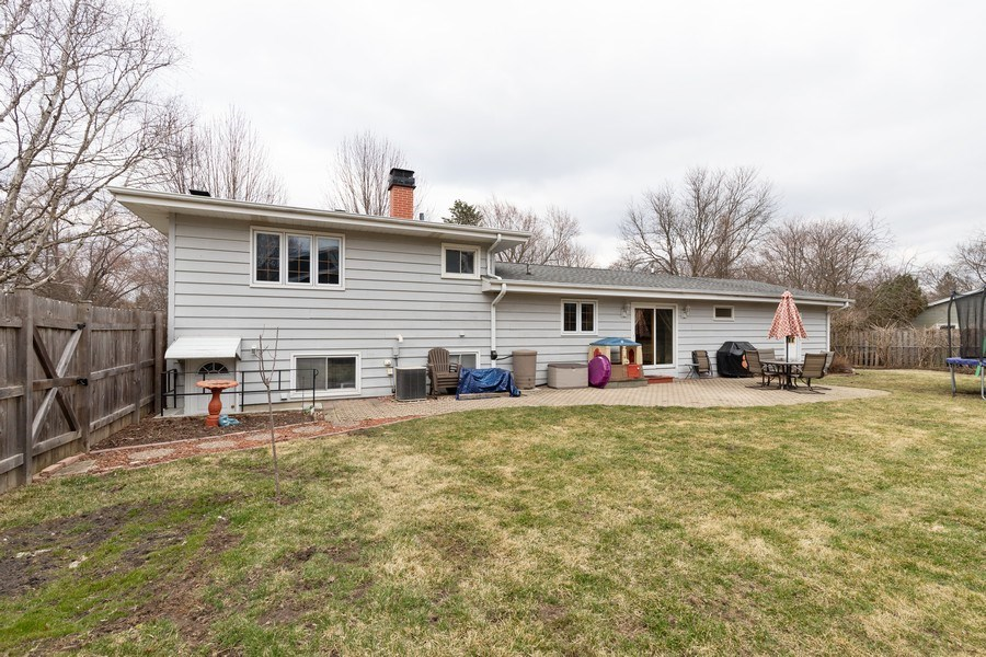 Real Estate Photography - 705 S. Dymond Road, Libertyville, IL, 60048 - Rear View