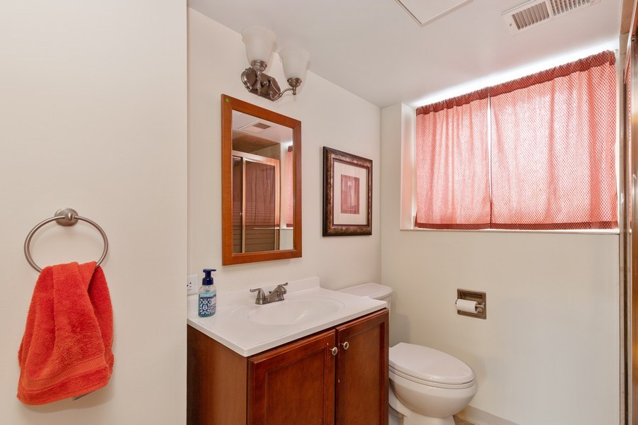 Real Estate Photography - 705 S. Dymond Road, Libertyville, IL, 60048 - 2nd Bathroom