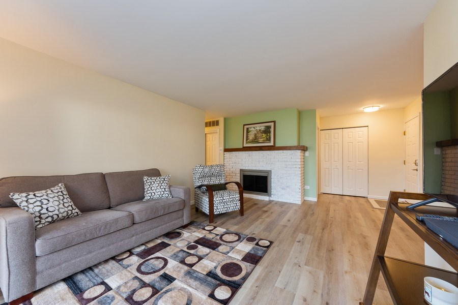 Real Estate Photography - 1452 N. Elmhurst Road, Unit 104C, Mount Prospect, IL, 60056 - Living Room