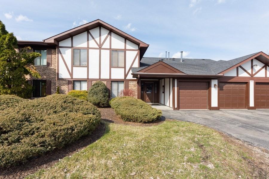 Real Estate Photography - 1452 N. Elmhurst Road, Unit 104C, Mount Prospect, IL, 60056 - Front View