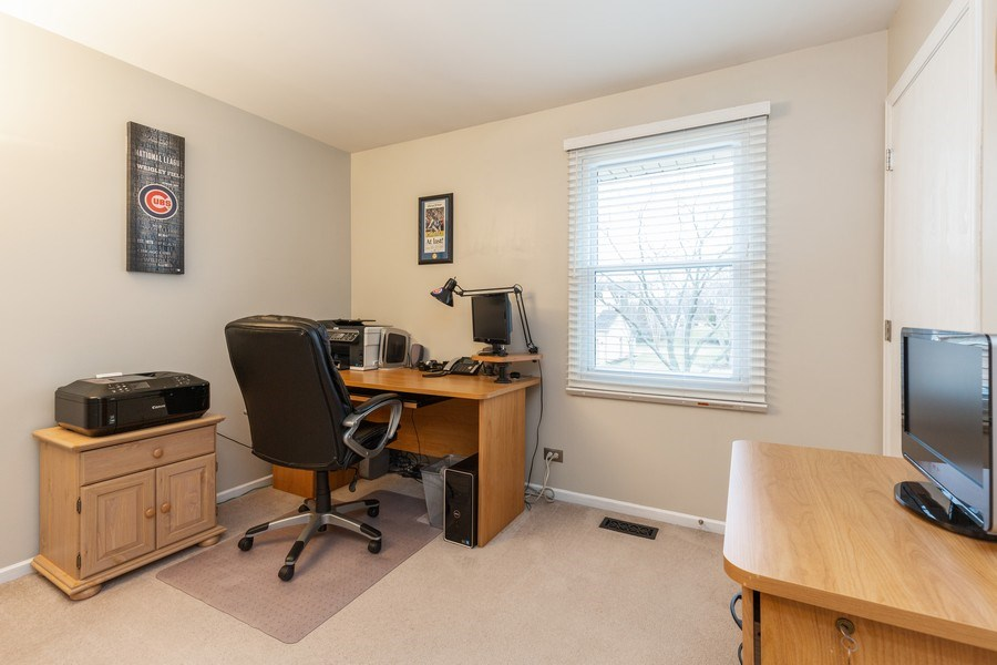 Real Estate Photography - 811 Providence Drive, Algonquin, IL, 60102 - 2nd Bedroom