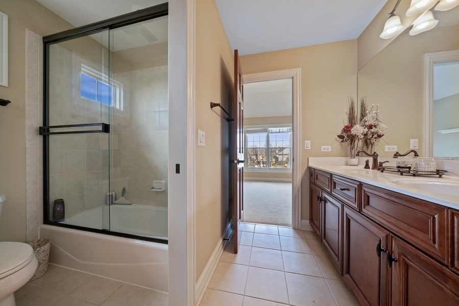 Real Estate Photography - 3012 Glacier Court, St. Charles, IL, 60174 - 3rd Bathroom