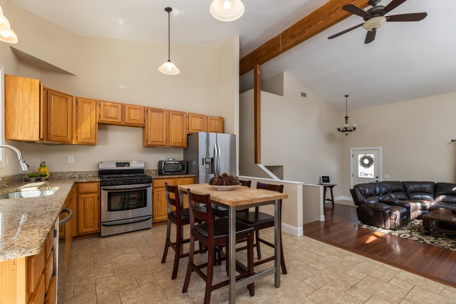 Real Estate Photography - 28657 W. Benjamin Avenue, Spring Grove, IL, 60081 - Kitchen / Breakfast Room