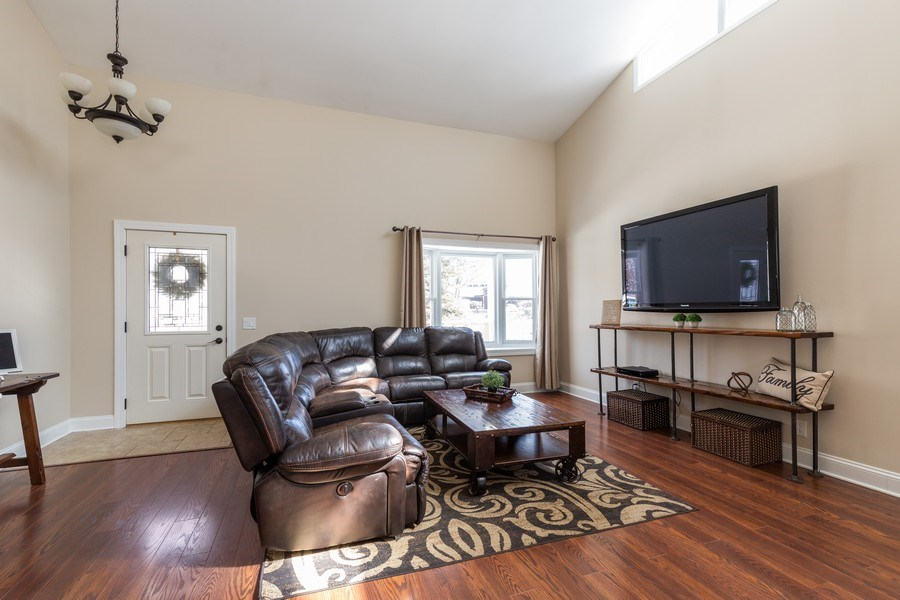 Real Estate Photography - 28657 W. Benjamin Avenue, Spring Grove, IL, 60081 - Family Room