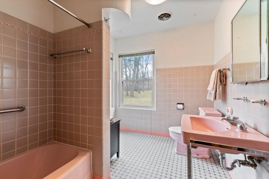 Real Estate Photography - 270 North IL Route 59, North Barrington, IL, 60010 - Bathroom