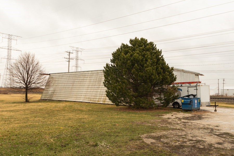 Real Estate Photography - 25608 Black Road, Shorewood, IL, 60404 - Back Yard