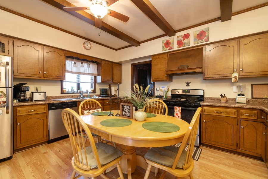 Real Estate Photography - 25608 Black Road, Shorewood, IL, 60404 - Kitchen