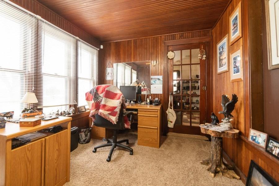 Real Estate Photography - 25608 Black Road, Shorewood, IL, 60404 - Den