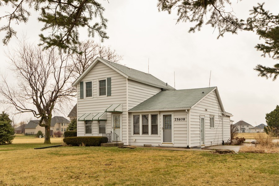 Real Estate Photography - 25608 Black Road, Shorewood, IL, 60404 - Front View