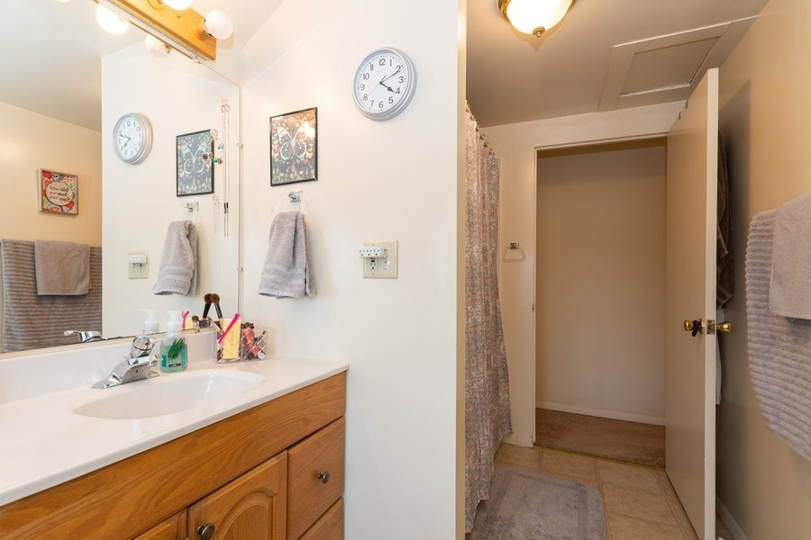 Real Estate Photography - 25608 Black Road, Shorewood, IL, 60404 - 2nd Bathroom