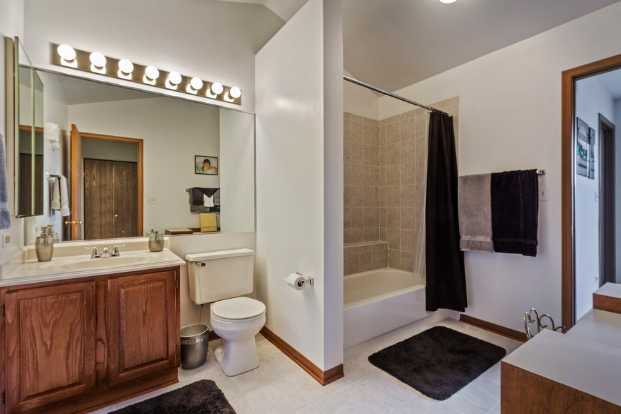 Real Estate Photography - 313 N. Southport Road, Mundelein, IL, 60060 - Master Bathroom