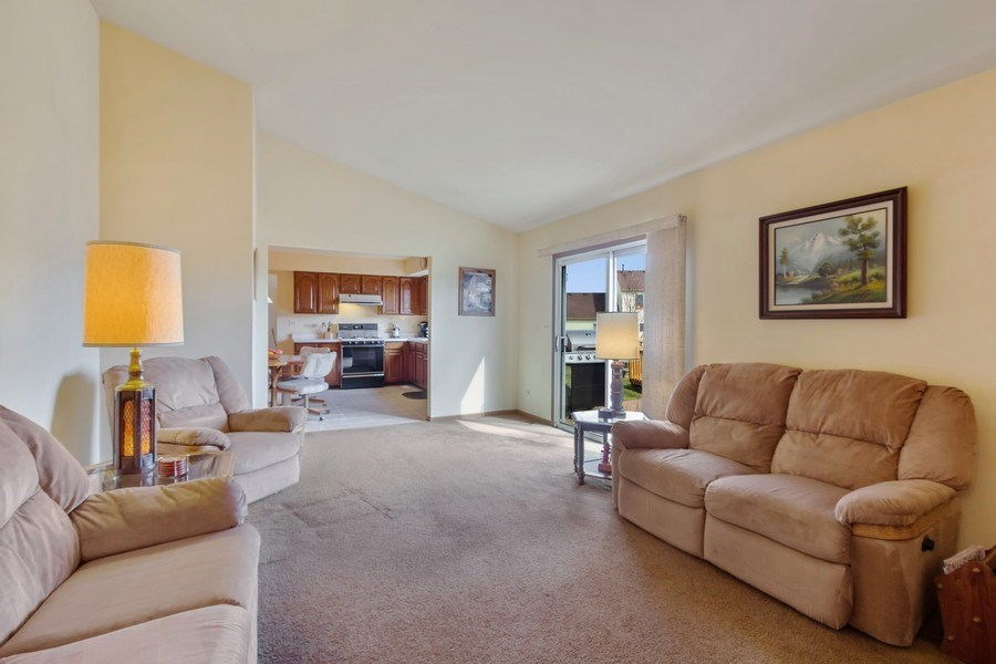 Real Estate Photography - 313 N. Southport Road, Mundelein, IL, 60060 - Family Room