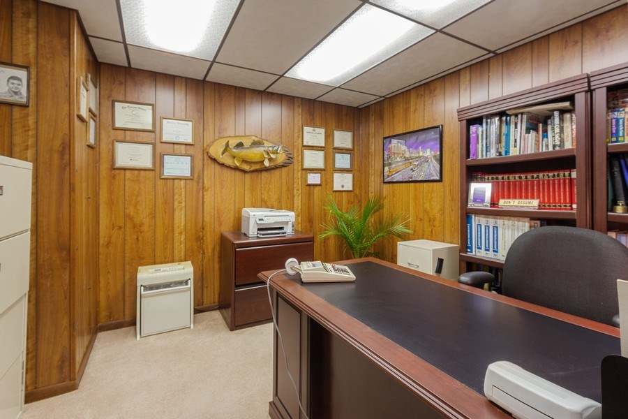 Real Estate Photography - 313 N. Southport Road, Mundelein, IL, 60060 - Office
