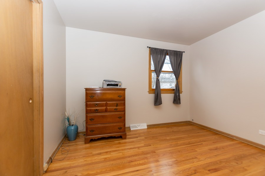 Real Estate Photography - 722 Maple Lane, Darien, IL, 60561 - 2nd Bedroom