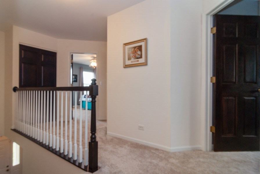 Real Estate Photography - 2472 Bayhill Court, Aurora, IL, 60503 - 2nd Floor Corridor