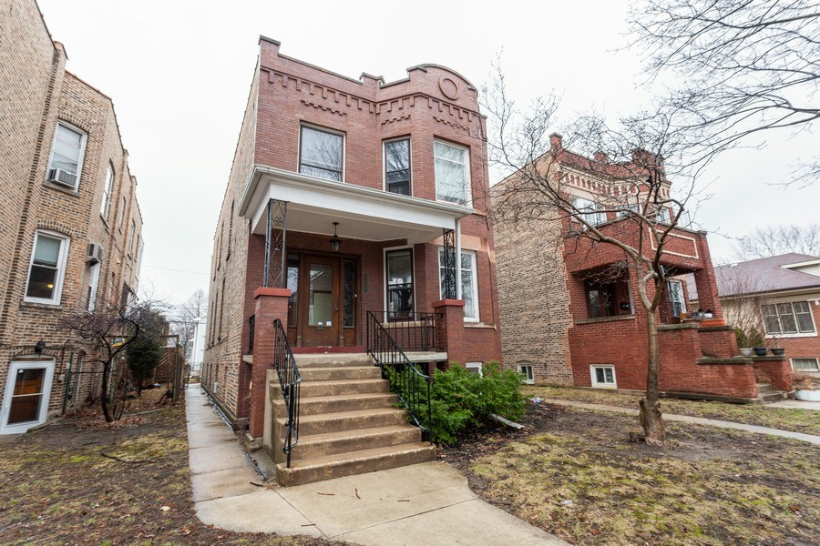 Real Estate Photography - 1134 S. Oak Park Avenue, Oak Park, IL, 60304 - Front View