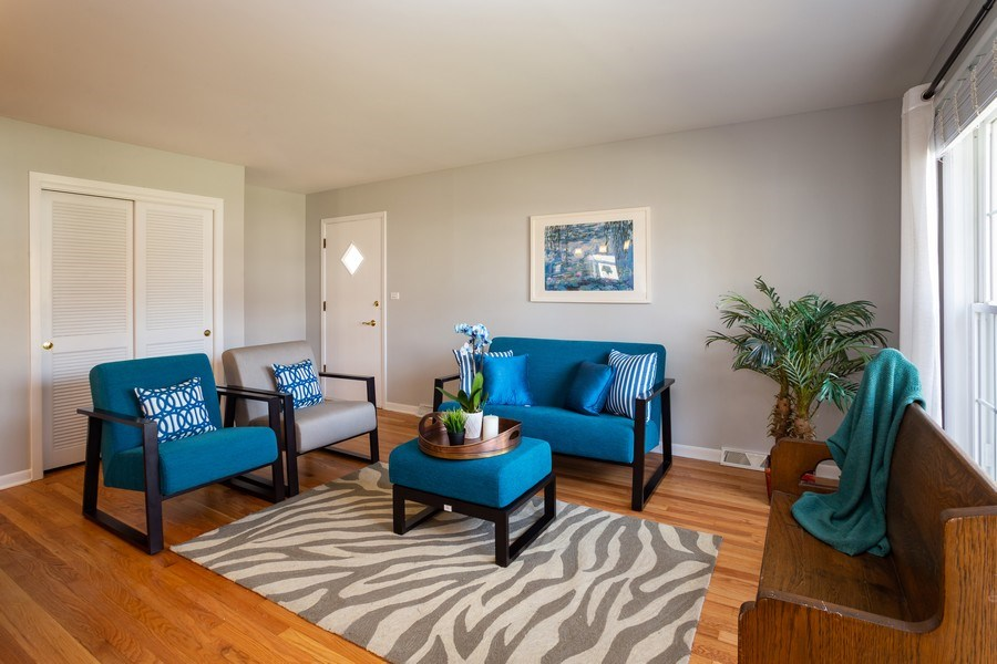 Real Estate Photography - 115 S. Burton Place, Arlington Heights, IL, 60005 - Living Room