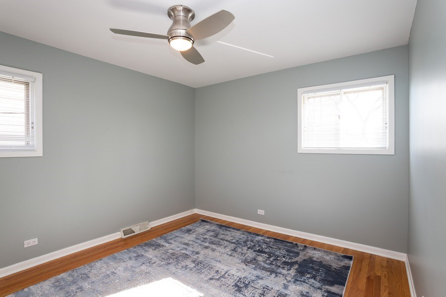 Real Estate Photography - 115 S. Burton Place, Arlington Heights, IL, 60005 - 2nd Bedroom