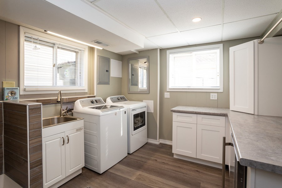 Real Estate Photography - 115 S. Burton Place, Arlington Heights, IL, 60005 - Laundry Room