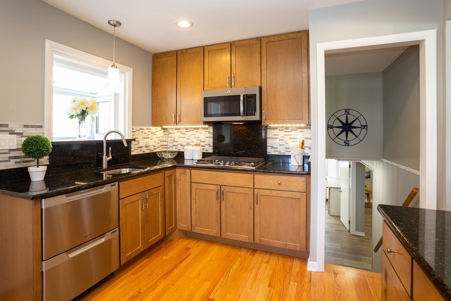 Real Estate Photography - 115 S. Burton Place, Arlington Heights, IL, 60005 - Kitchen