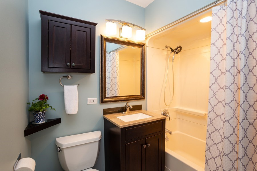 Real Estate Photography - 115 S. Burton Place, Arlington Heights, IL, 60005 - Bathroom