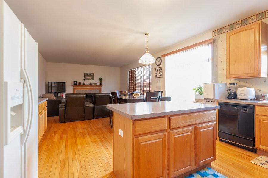 Real Estate Photography - 1910 Marigold Lane, Round Lake, IL, 60073 - Family Room / Kitchen