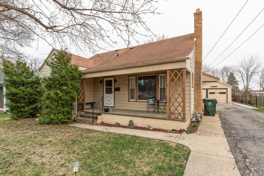 Real Estate Photography - 1041 Bishop Street, Antioch, IL, 60002 - Front View