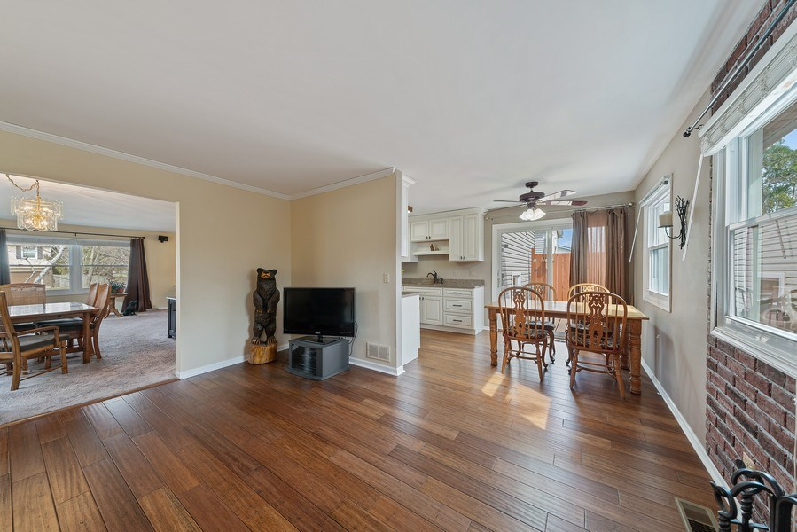 Real Estate Photography - 237 S. Park Place Drive, Bartlett, IL, 60103 - Family Room