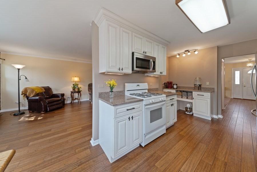Real Estate Photography - 237 S. Park Place Drive, Bartlett, IL, 60103 - Kitchen