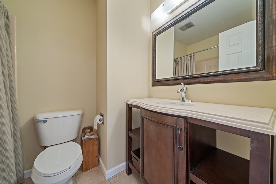 Real Estate Photography - 237 S. Park Place Drive, Bartlett, IL, 60103 - 2nd Bathroom