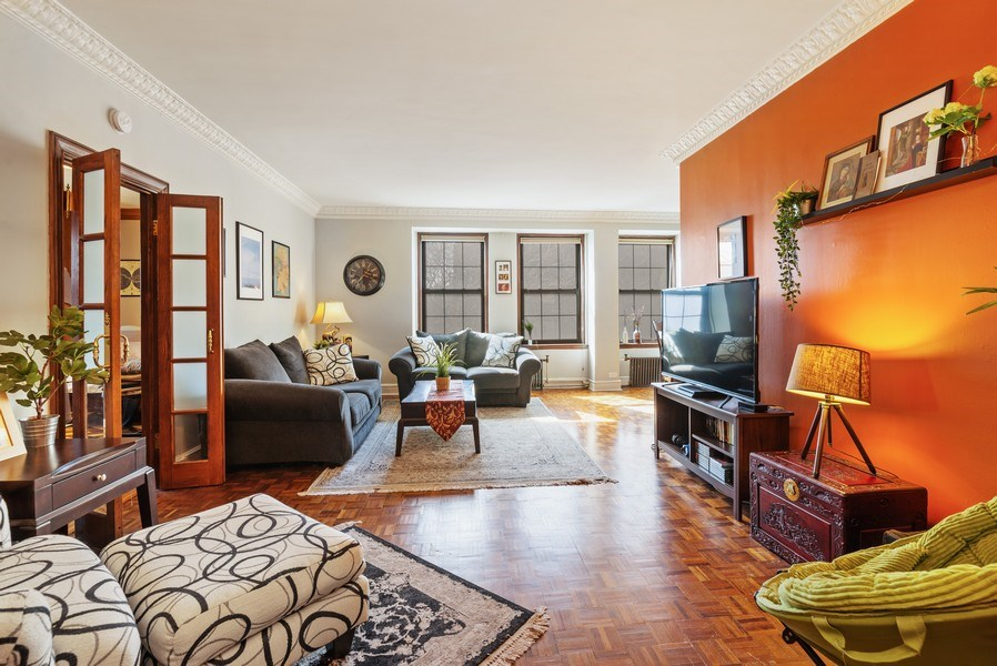Real Estate Photography - 6101 N. Sheridan Road, Unit 3B-3C, Chicago, IL, 60660 - Living Room