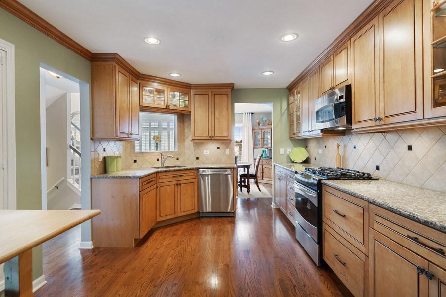 Real Estate Photography - 433 Edgewater Lane, Wauconda, IL, 60084 - Kitchen